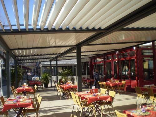 Los mejores sistemas de pérgolas para tu restaurante en Cantabria